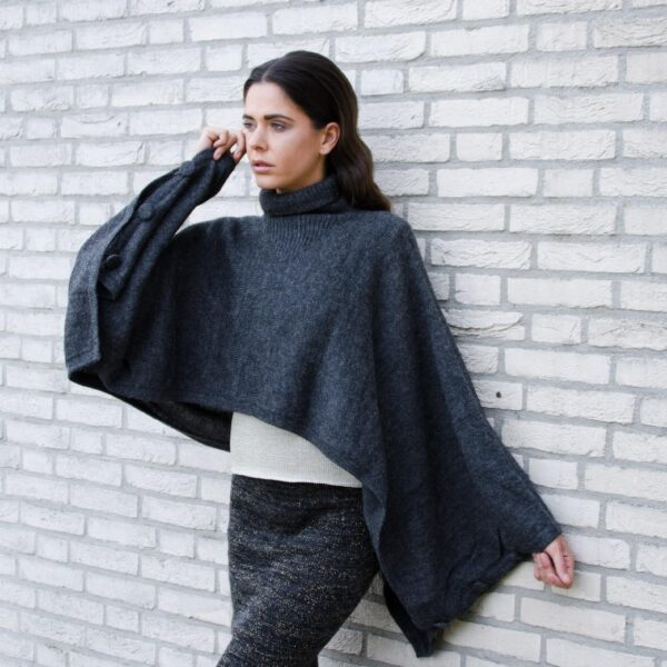 Greetje skirt en Ine cape2