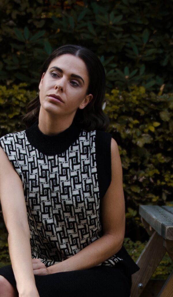 janice black vest