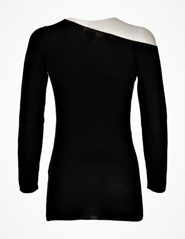 maxima black sweater 2